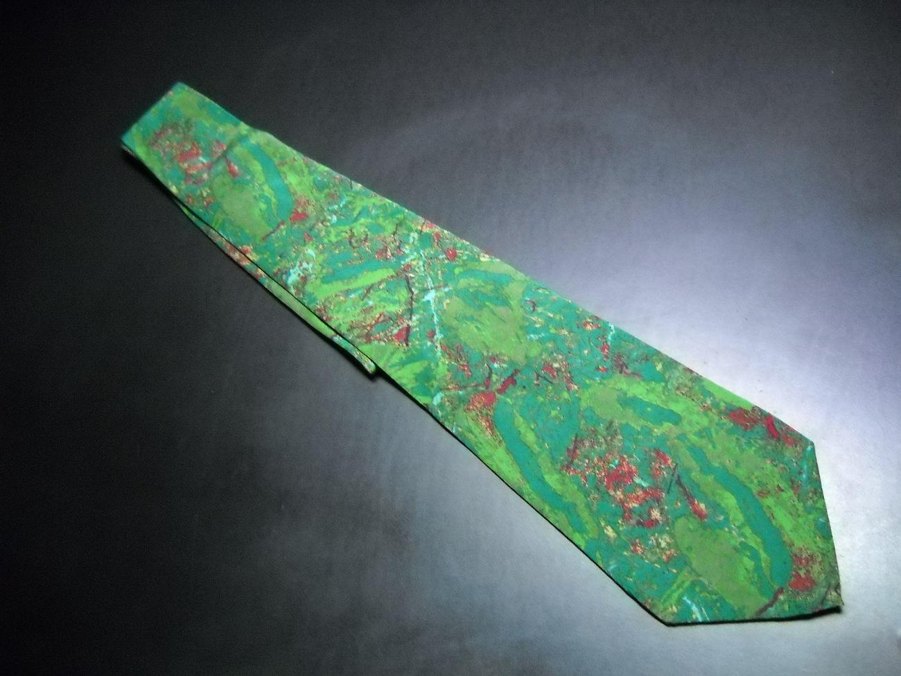 Tie montana greens   reds 07