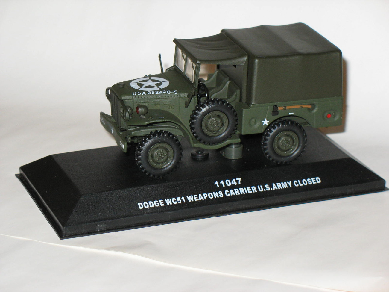 Dodge wc51 weapons carrier u.s. army closed.b