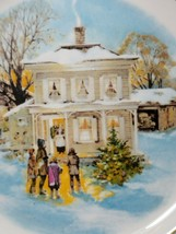 Avon Christmas Plate Series 1977 Carollers In The Snow Enoch Wedgwood England image 2