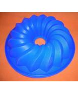 """REC 9 3/4"""" Blue Swirl Bundt Silicone Baking / Gelatin Mold UPC:710534485142 - $6.93"""