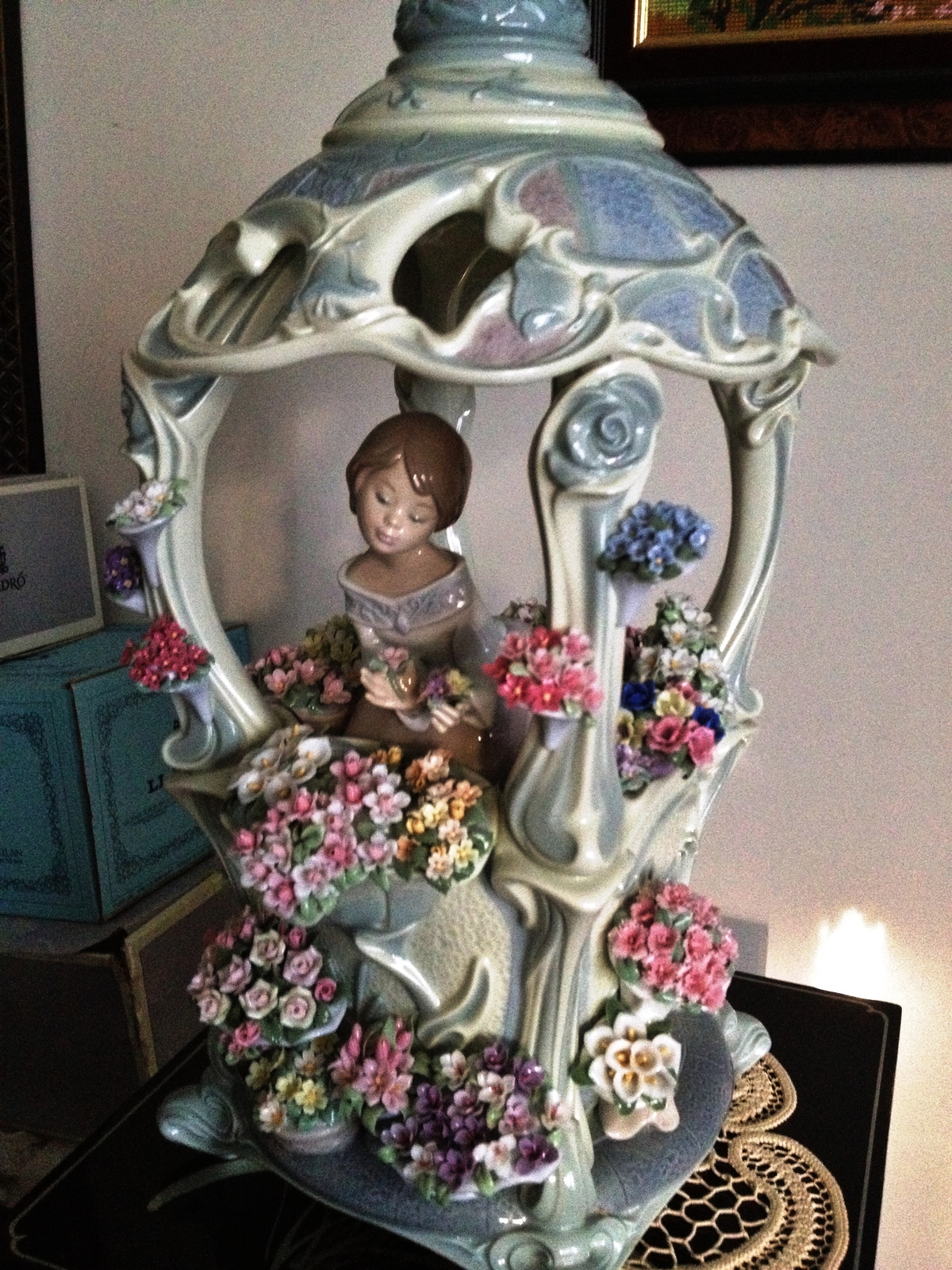 Primary image for Lladro Gazebo in Bloom # 1865 Mint with original box, retired