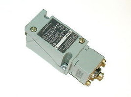 ALLEN BRADLEY OIL TIGHT LIMIT SWITCH 10 AMP MODEL 802T-BP  (6 AVAILABLE) - $49.99