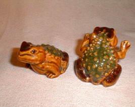 salt pepper shaker set frog toads bumpy brown green  ceramic - $16.00