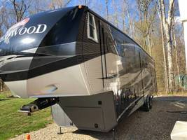 2013 Redwood 36RE Fifth Wheel FOR SALE IN Coventry, CT 06238 image 2