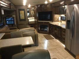 2017 Thor Tuscany XTE 36MQ For Sale In Salinas, CA 93908 image 4