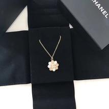 100% AUTH CHANEL CC LOGO CAMELLIA FLOWER GOLD PENDANT NECKLACE RARE image 3