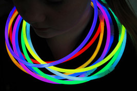 22 inch 8 color glow necklaces1 thumb200