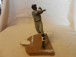 2004 Alfonso Soriano New York Yankees #12 Figurine Batting Road Gray - $22.28