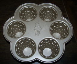 NORDIC WARE - 6 Cup ICE CREAM CONE CUPCAKE PAN - Made in USA! EUC! - $24.99