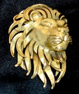 Striking Majestic Three Dimensional Wild Lion Figural Brooch by Crown Tr... - $45.00