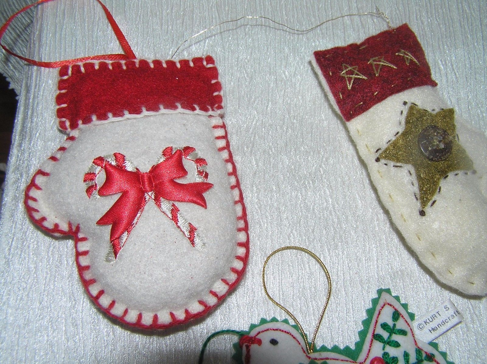 Lot of 3 White & Red Felt Snow Mittens & Kurt S. Adler Peace Dove w Heart Christ