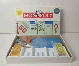 Monopoly 1999 Parker Brothers Property Trading Board Game Family Game Ni... - $15.88