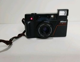 Nikon One-Touch 35mm Point & Shoot Camera 35mm 1:2.8 Lens Turns On Read - $29.70