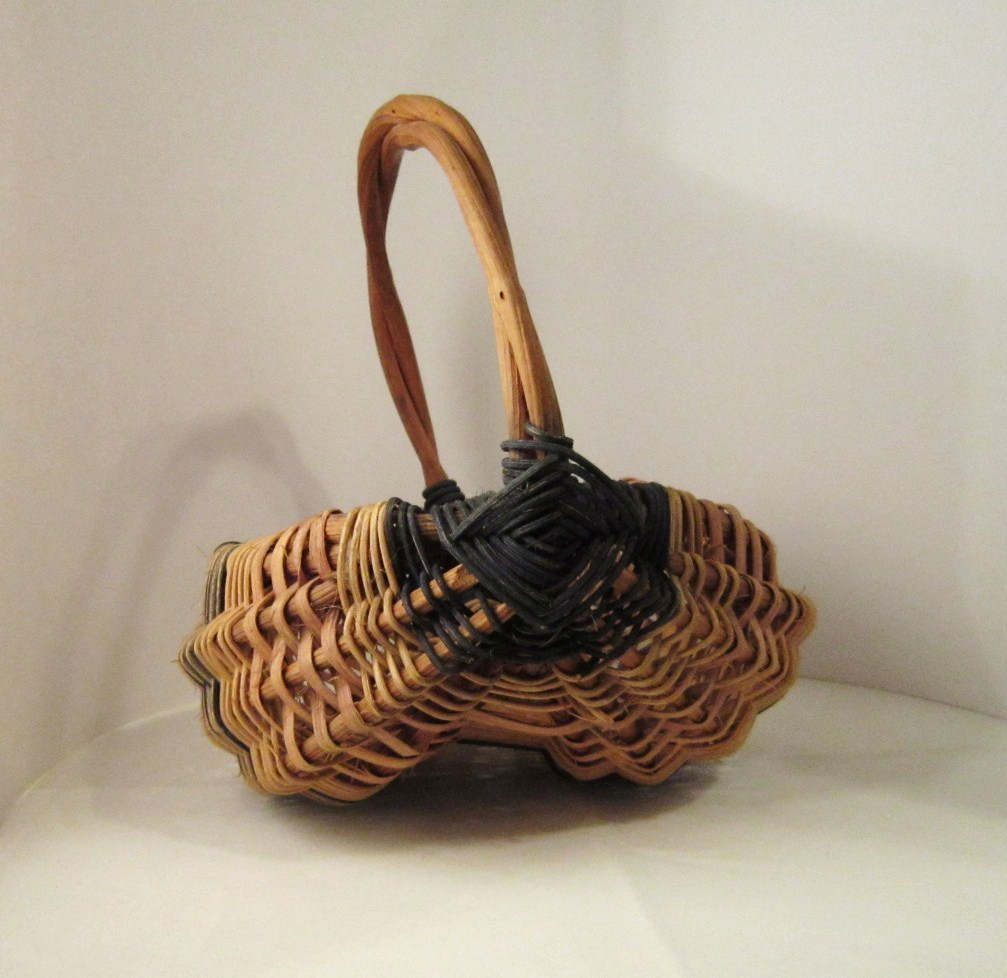 Farmyard Egg Basket Wicker with Grape Vine Handle and Ribs Vintage