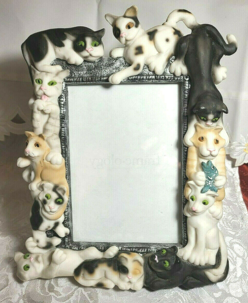 """Vintage 1999 Sculpted Cats Black and White Frame-ology Holds a 4""""x6"""" Photo"""