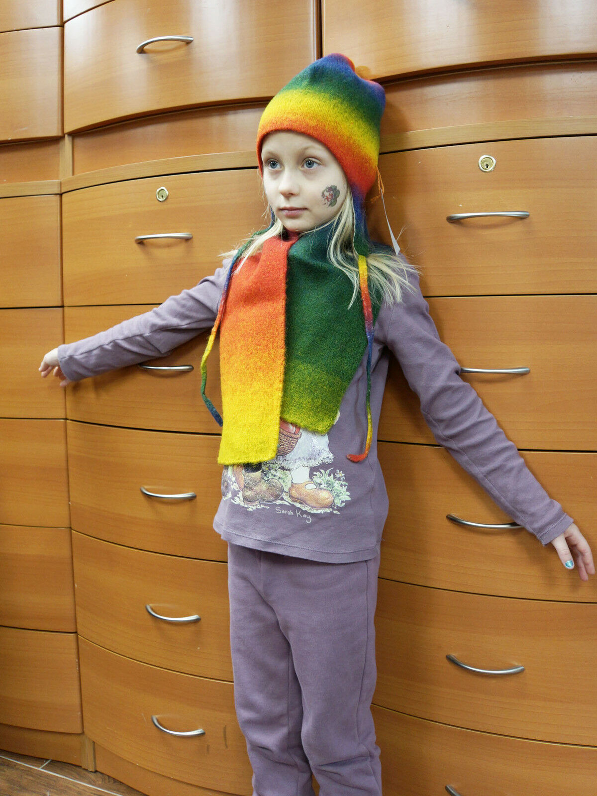 Primary image for KID'S HAT SCARF SET HANDMADE IN EUROPE MERINO WOOL UNISEX HOLIDAY GIFTS IDEAS