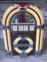 Vintage Crosley CR11 AM/FM Casette Player Lighted - $38.92