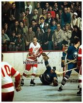 NHL 1971 Red Wings Gordie Howe vs Sabres Goalie Joe Daley Color  8 X 10 ... - $6.57
