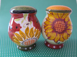 SUNFLOWER SALT and PEPPER SHAKERS, Ceramic, stoneware - €10,55 EUR