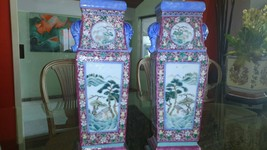 GORGEOUS 19th CENTURY ANTIQUE PAIR OF CHINESE PORCELAIN VASES W/WOOD STA... - $2,970.00