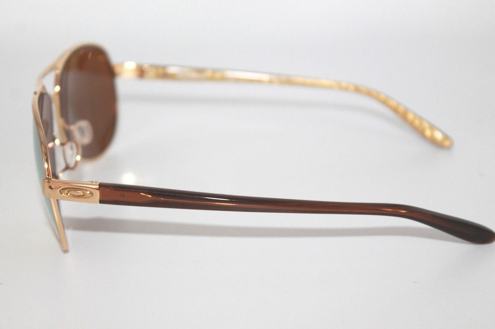 6a8e4ca8ae Oakley Feedback Sunglasses OO4079-28 Polished Gold W  24K Gold iridium Lens