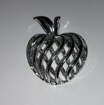 "Vintage Silver Tone Open-Weave Apple Pin        1 1/2"" Signed Gerry's - £1.91 GBP"