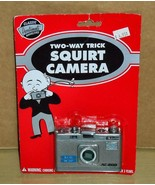 2007 Accoutrements Two-Way Squirt Camera Toy NEW! - $8.90