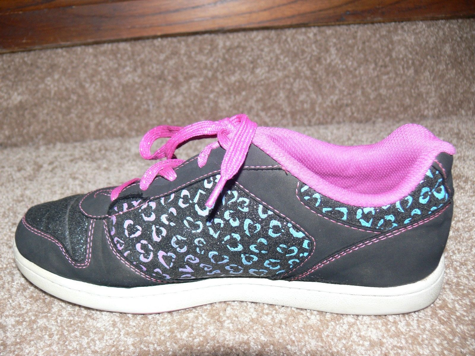 DISNEY LIV AND MADDIE Shoes Youth Sneakers Glitter Hearts Girls Size 5 cz image 5