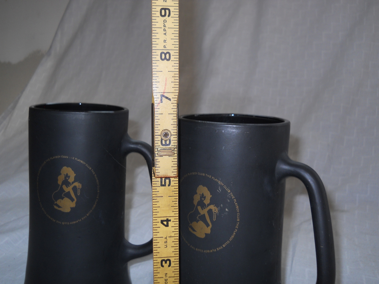 TWO PLAYBOY CLUB BLACK & GOLD FROSTY GLASS COFFEE MUGS, BEER STEIN CUP VTG 60's image 2