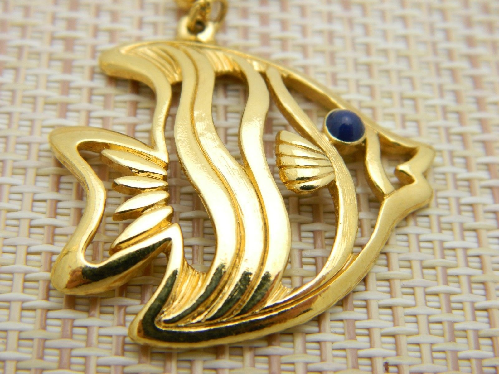 AVON One Fish Two Fish Blue Eyed Gold Tone Post Earrings Vintage