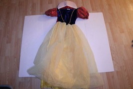 Women's Snow White M Halloween Costume - $46.74