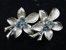 Vintage Silver Tone Flower  Clip on Earrings Pale Blue Rhinestone Exquis... - £9.33 GBP