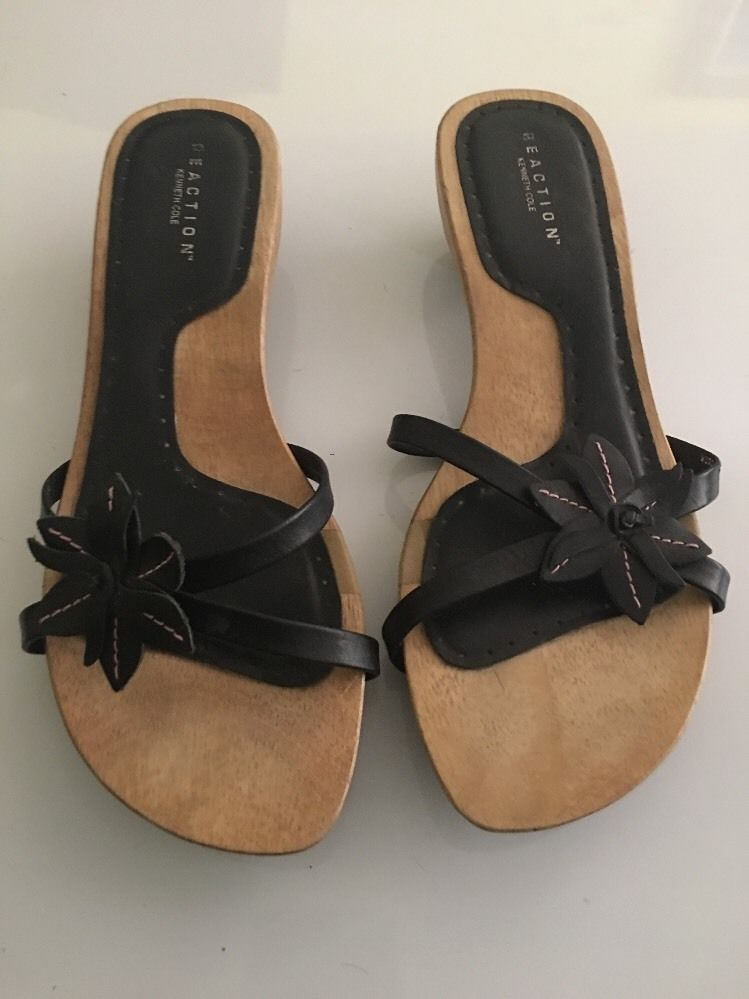 06f70b9c2b7 Kenneth Cole reaction women s Wooden Kitten Clog heels size 7.5 black Flower
