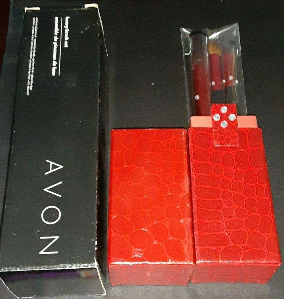 Avon Luxury Brush Set - $2.96