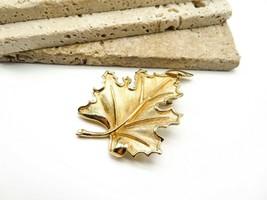 Vintage Signed Crown Trifari Large Gold Tone Leaf Brooch Pin F70 - $20.99