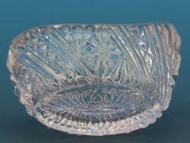 Vinatge EAPG Pressed Glass Open Salt Boat Shape Pale Lavender Color image 3