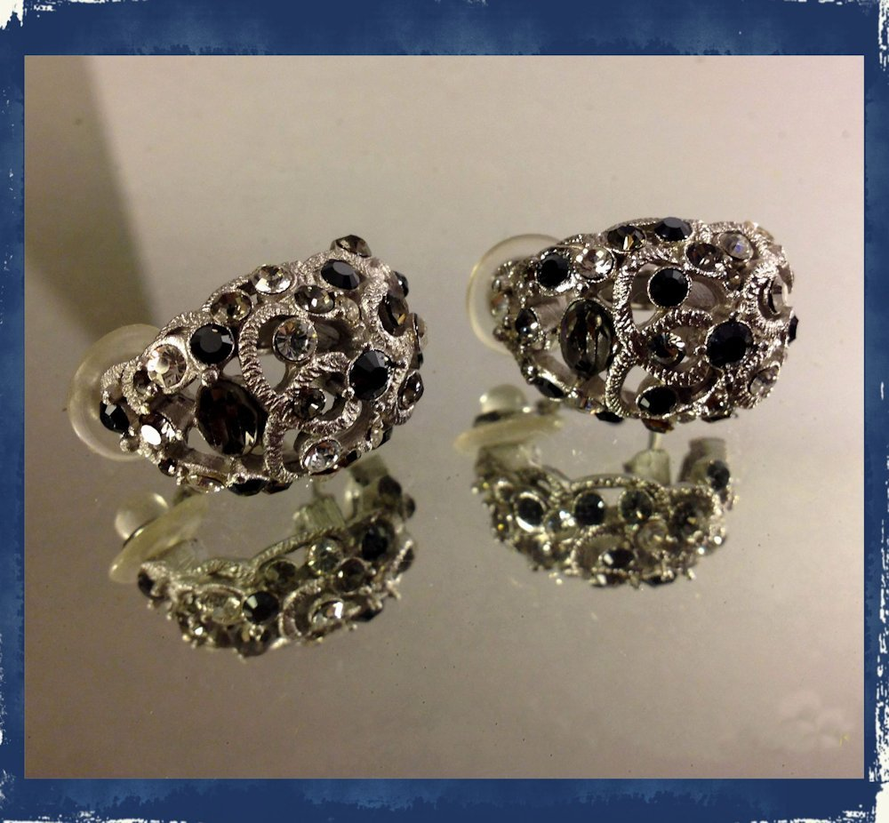 Vintage Smoke/Black/Clear Huggie Style Cluster Occasion Wedding Pierced Earrings