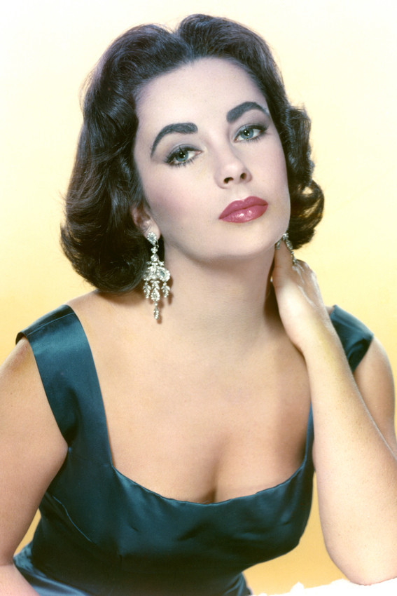 Primary image for Elizabeth Taylor Busty Color Stunning! 18x24 Poster