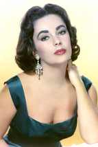 Elizabeth Taylor Busty Color Stunning! 18x24 Poster - $23.99