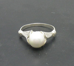 R000868 Stylish STERLING SILVER Ring Solid 925 8mm Pearl - $187,20 MXN