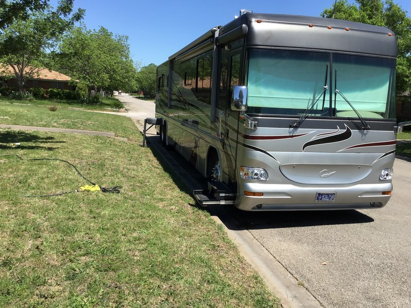 2004 Country Coach Intrigue 42 FOR SALE IN Waco, TX 76706