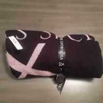 NWT $58 Victoria's Secret Black & Pink Logo Heart Fringe Throw Blanket 50 X 60 - $25.75