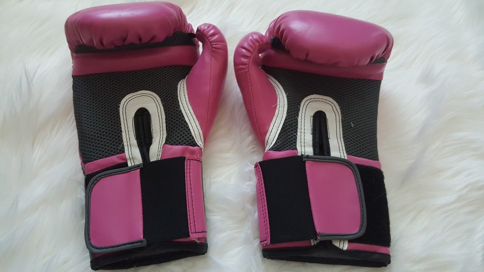 Everlast Womens Pair Of Pink And Gray Boxing And 50 Similar Items