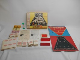 Old Vtg 1974 MILTON BRADLEY THE $10,000 PYRAMID GAME #4404 COMPLETE 2nd ... - $29.69