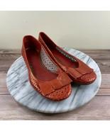 Clarks Artisan Metallic Red Perforated Leather Bow Toe Ballet Flat Women... - $29.95
