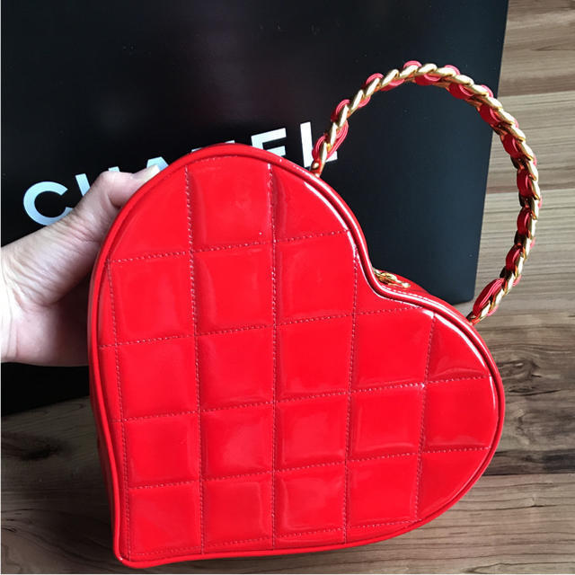 68f133813ec5e9 CHANEL Heart Vanity Hand Bag Pouch Red Coco mark Enamel Leather Woman Auth  Rare