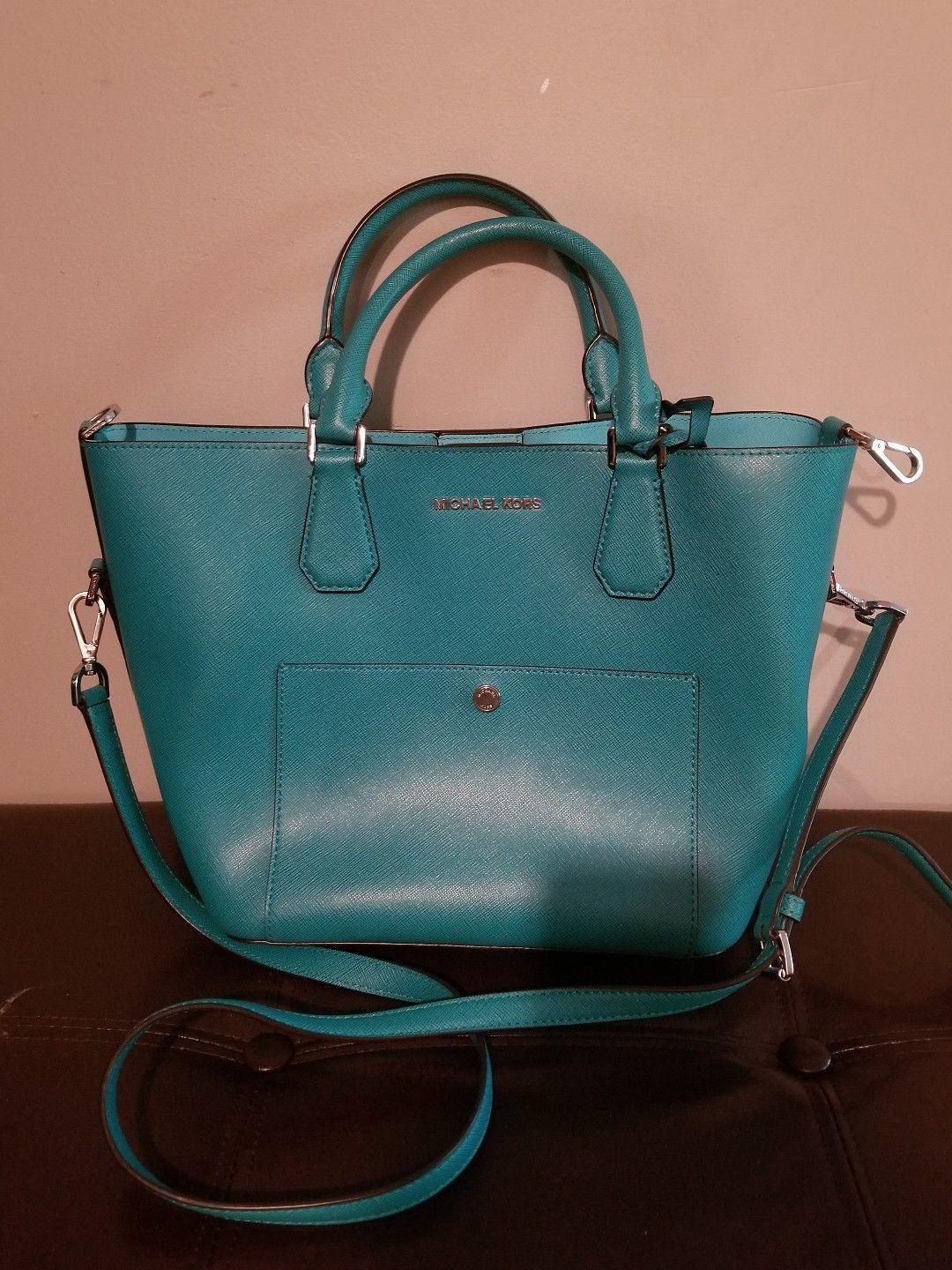 a8e8ba95da25bc MICHAEL KORS Large Saffiano Greenwich and 50 similar items. S l1600
