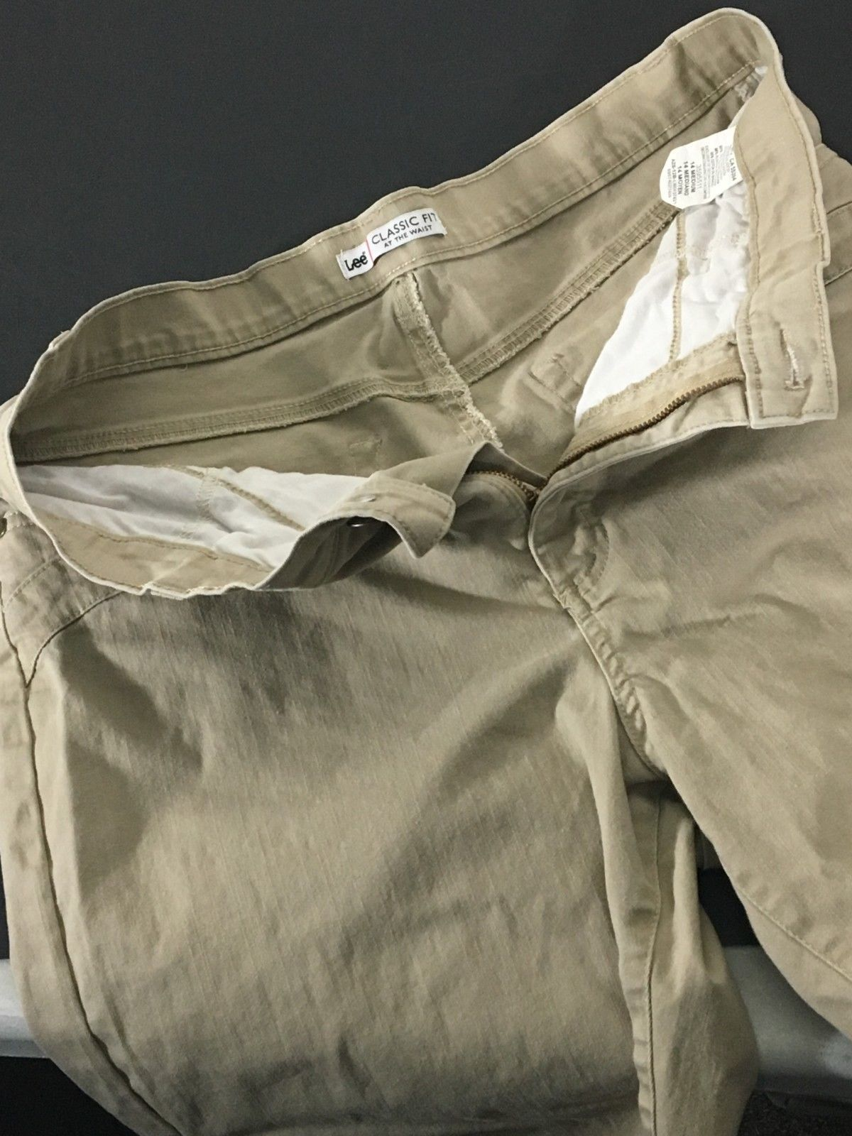 Women's Beige Shorts Size 14 Medium Lee Classic Fit At The Waist