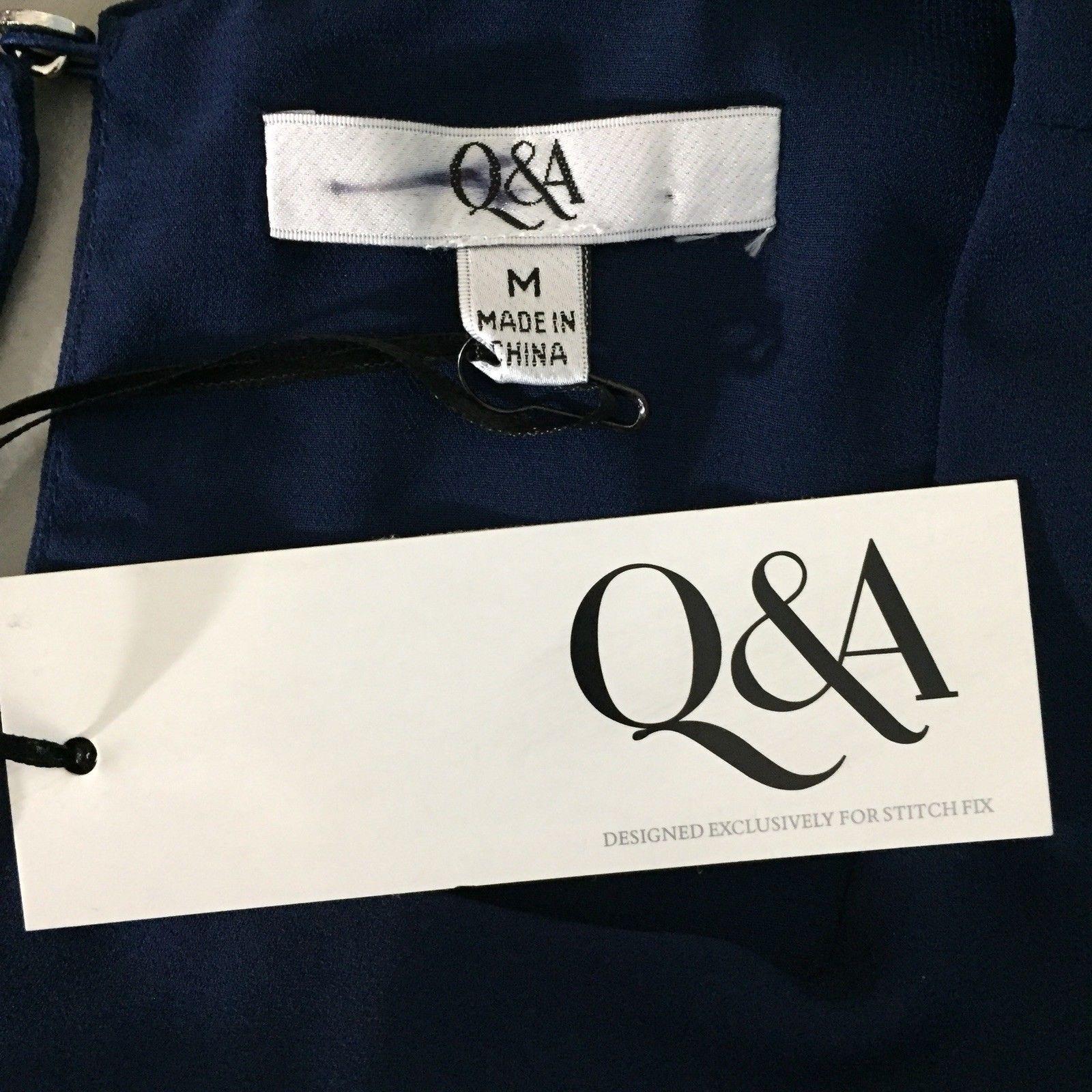 Q&A Stitch Fit Sleeveless Pleated Hem Top Medium Navy Blue Keyhole Back