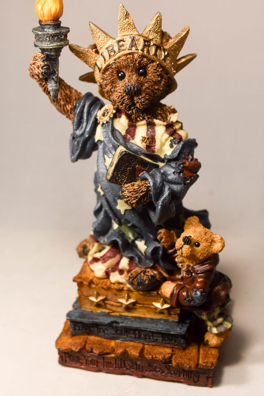 Boyds Bears: Ms. Libearty... Wants You Too! - Style 01998-21 - Special F.O.B